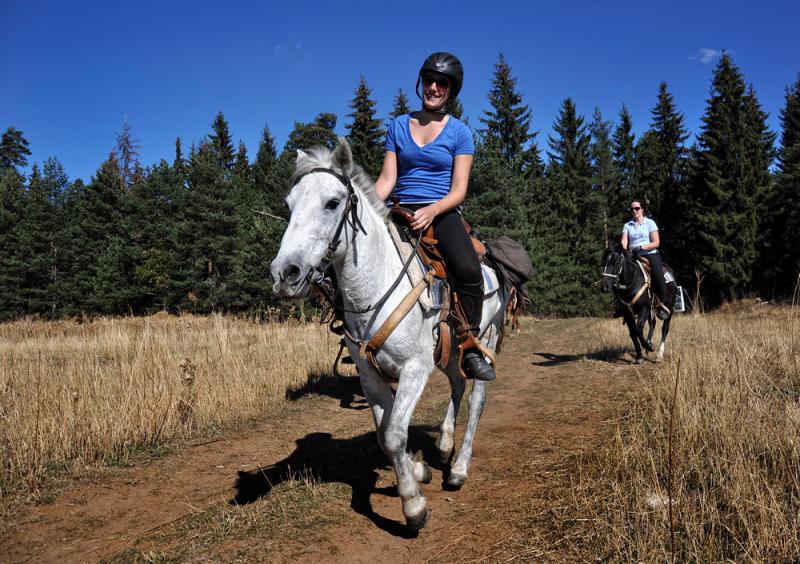 day horse riding tours Teteven Balkan Rodopi Mountains and Sredna
