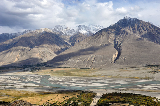 The territory of Wakhan Corridor where the temperatures doesn't reach 0 ̊ C more than 300 days per year