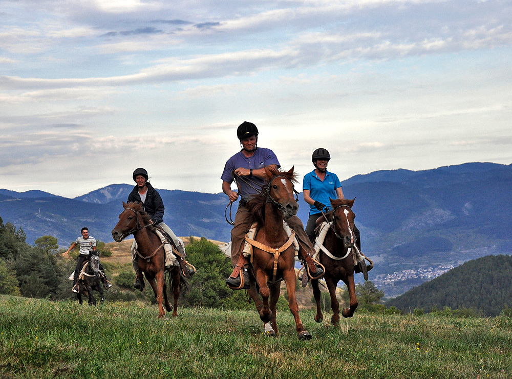 How to Make Horseback Riding Easy and Pleasant