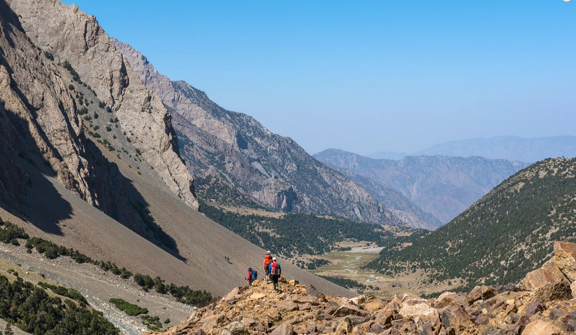 Trekking in the Pamirs - Journey to Aksu and Sabakh peaks (Kyrgyzstan)